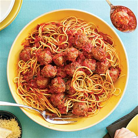 Spaghetti Meatballs Two Ways Beginner Expert by Canile S Spaghetti Meatballs In Sauce Recipe