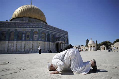 jerusalem muslim tourists increase  visitors