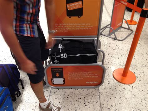 easyjet cabin luggage airline carry on baggage size easyjet