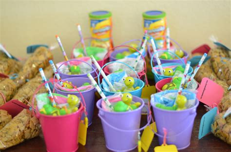 Kids Birthday Giveaways - easy birthday party favor ideas