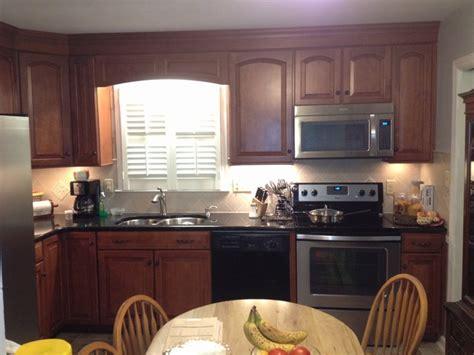maple cognac kitchen cabinets shenandoah cabinetry winchester maple cognac finsh