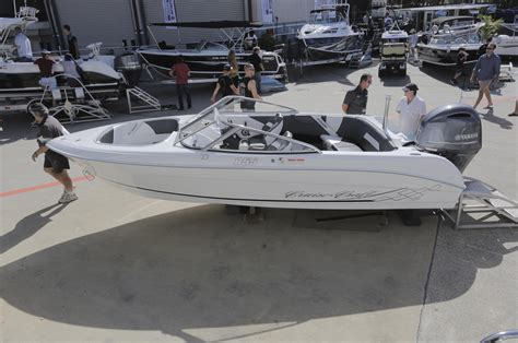 australian bowrider boats news ads cruisecraft quality high end boats proudly