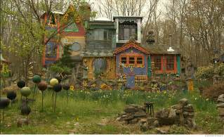 unique house colors artist creates unique habitat in new jersey woodlands