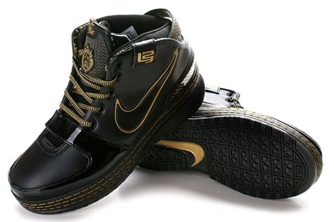 nike zoom lebron vi basketball shoes in black and gold