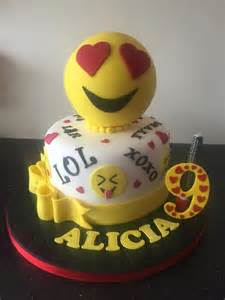 wedding cake emoji emoji cake cake by donnajanecakes cakesdecor