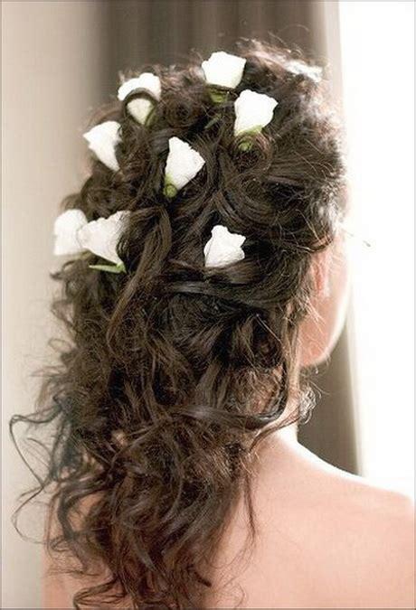 acconciature con fiori nei capelli fiori per acconciatura sposa