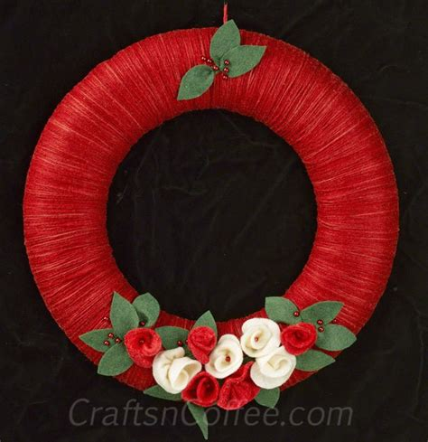 how to make a christmas yarn wreath with rolled felt flowers amazing wreaths styrofoam