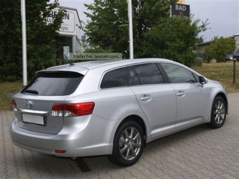 toyota avensis estate 2013 2013 toyota combi avensis 2 2 d 4d executive air leather