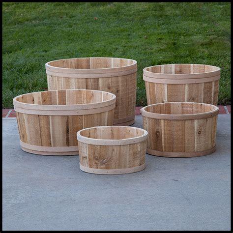 Planter Tubs by The Buckland Cedar Tub Planter 22in Dia