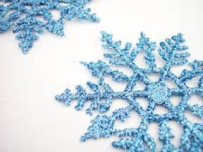 snowflakes christmas wallpaper 2736112 fanpop