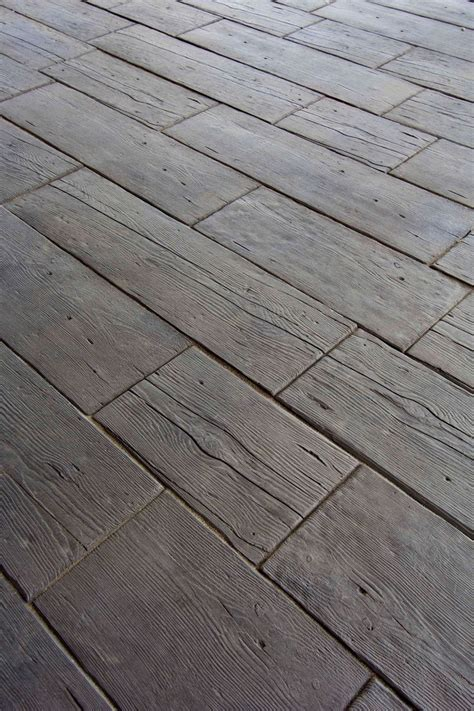 Patio Pavers That Look Like Wood 25 Best Ideas About Concrete Pavers On Patio