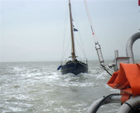 boat launches near buoy 10 woman in distress gets help from cowes lifeboat cowes