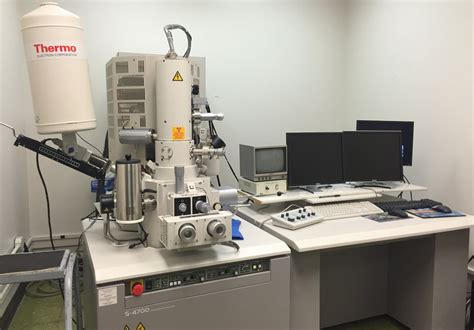 variable pressure scanning electron microscope center for