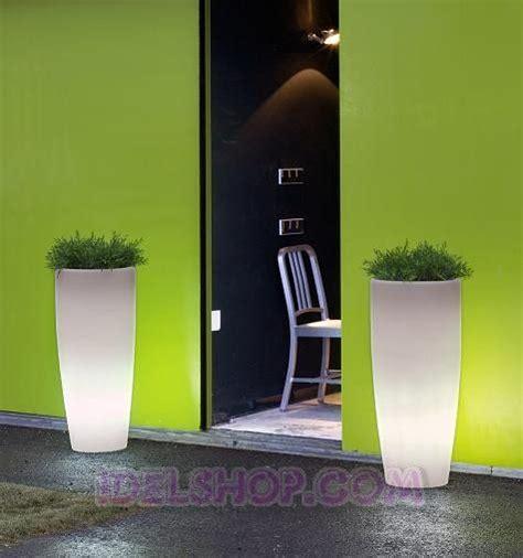 vasi luminosi da giardino vasi luminosi da giardino arredo esterno arredo giardino