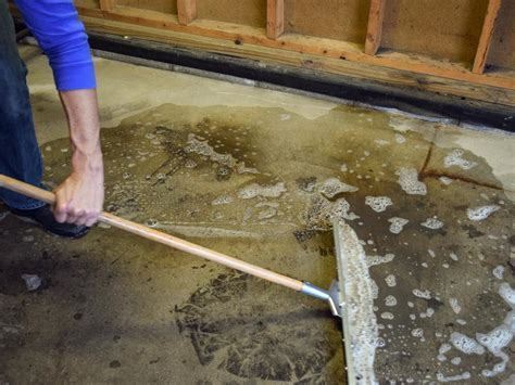 How to Paint a Garage Floor With Epoxy   how tos   DIY