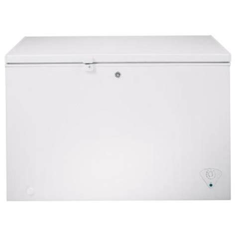 ge 10 6 cu ft chest freezer in white fcm11phww the