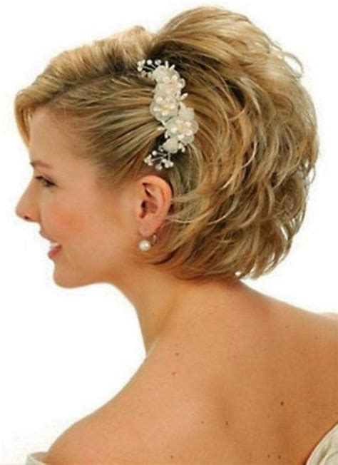 Coiffure Cheveux Mi Court by 25 Best Ideas About Coiffure Mariage Cheveux Courts On