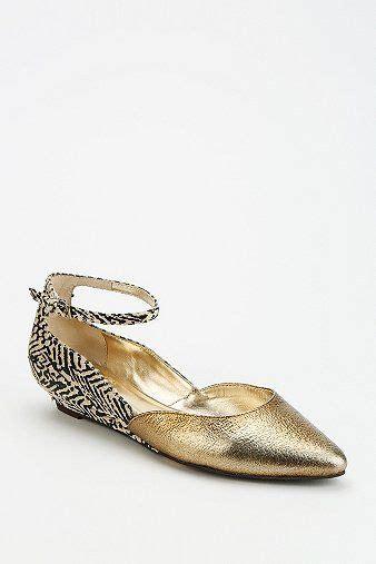 1920s flat shoes seychelles whisper mini wedge heel in gold a great flat