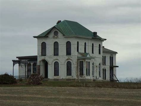 images  abandoned   beautiful  pinterest queen anne mansions