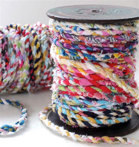 DIY Faire du fil de tissu soi même en recyclant de vieux vêtements