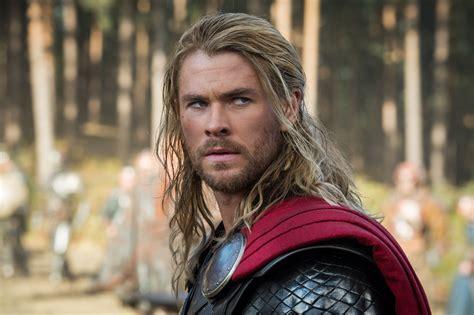 film thor tentang apa apa sih yang bikin thor berbeda di the avengers age of