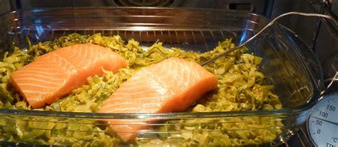 saumon cuit 224 basse temp 233 rature sur lit de poireaux au curry