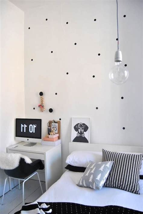 black white simple bedroom decorating ideas  young