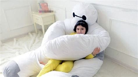 How Big Is A Pillow by Neeeed This Big 6 Baymax Pillow Nerdist
