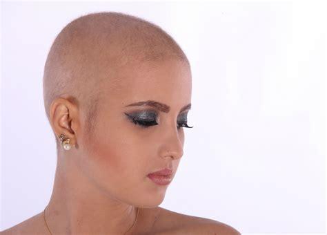 per chemioterapia chemioterapia caduta e ricrescita dei capelli fraparentesi