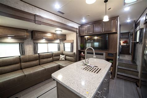 5th wheel with living room in front fifth wheel cers with front living rooms roy home design
