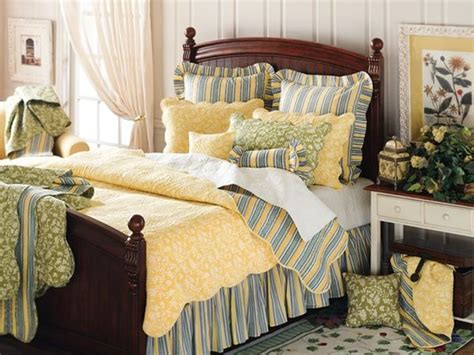 blue and yellow bedroom 170 best bedrooms images on pinterest bedrooms home and