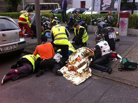 Motorrad F Hrerschein Erste Hilfe by Erste Hilfe F 252 R Motorradfahrer Bikerthom