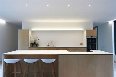 cozinhas minimalistas  voce  acha  menos  mais limaonagua