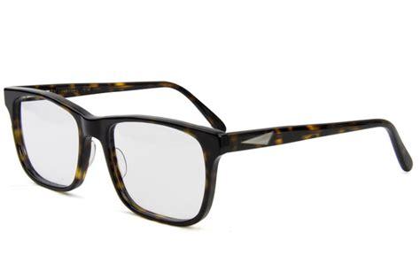 prisms in eye glasses eyeglasses