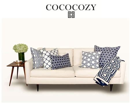 How To Choose Pillows For Sofa 25 Best Ideas About Pillow Arrangement On Accent Pillows Interior Design