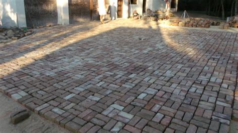 Patio Pavers Cost Cost Of A Paver Patio Patio Design Ideas