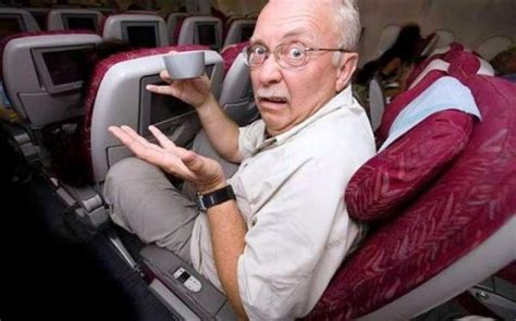 no recline seats on plane 191 acurrucado en clase turista viajes