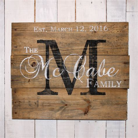 custom wood sign pallet last custom name sign pallet last name wood by everydaycreationsjen