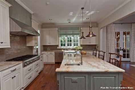 plan de cuisine en marbre cuisine marbre blanc carrelage en marbre blanc bar et