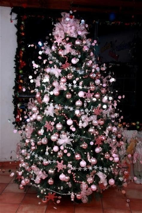 pink and shabby chich christmas tree decoration theme
