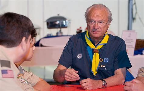 sweden scouts boy scout s pancake breakfast with king carl xvi gustaf of