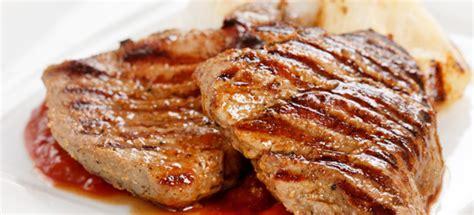 fettine di maiale come cucinarle ricetta bistecca di maiale alla griglia con pere