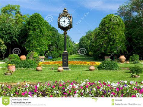 imagenes de jardines tematicos parques y jardines cismigiu de bucarest foto de archivo