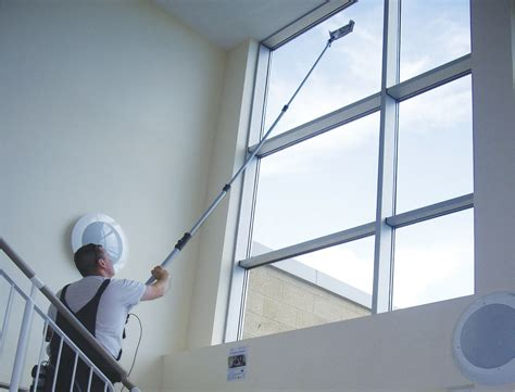Hohe Fenster Putzen by Water Fed Poles For Window Cleaning Systems