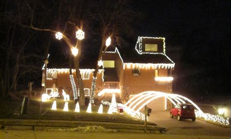 website points out best holiday light displays in the