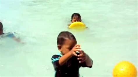 nonton film upin dan ipin terbaru berenang setelah nonton upin dan ipin bermain youtube