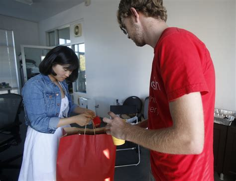 doordash restaurant service yet another restaurant delivery service launches in