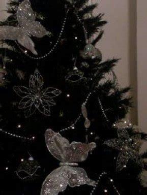 decoracion de pino navideño blanco arbol de navidad negro rbol de navidad en espiral sobre