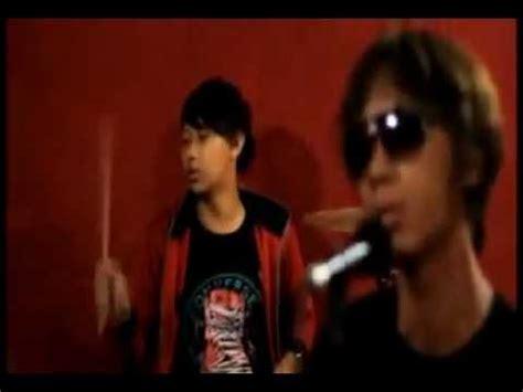 film perjuangan cinta barat lagu baru 2012 meteor band perjuangan cinta avi youtube