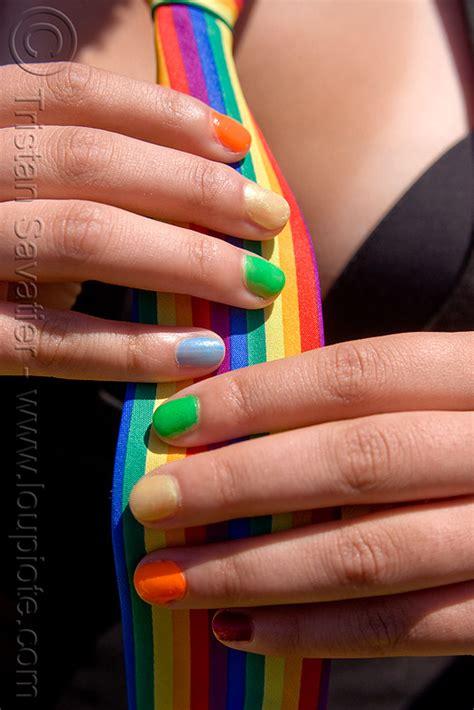 rainbow fingernails